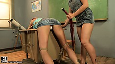 Kathia gives her new slave a lesson at school and writes on her ass