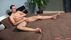 Experienced solo performer Brandon Hart has got some really nice dick to show us