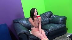 Kiarra Lynne uses a vibrating wand to pleasure her aching sex hole