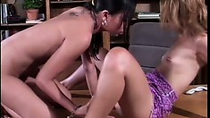 Crazy hot lesbian babes get satisfaction by eating some creamy pussy