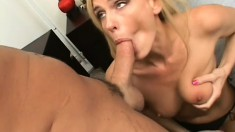 Kinky MILF needs to have any dick deep inside her really quickly