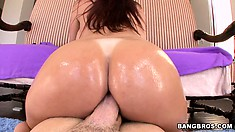 The big bubble butt of Tiffany Mynx is oiled up and ready for his tool