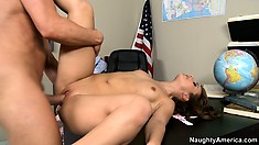 She Gets Her Cunt Drilled, Goes Legs Up And Then Sits On His Boner