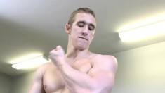 Hot stud takes a break from the workout and pleases himself in the gym