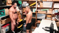 Hung Mallcop Barebacks Straight Latin Stud For Stealing